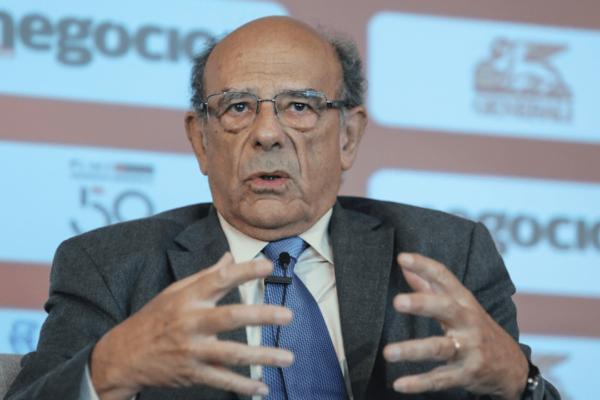 """Filipe Duarte Santos: """"Sem crescimento económico é mais difícil vencer os desafios da sustentabilidade"""""""